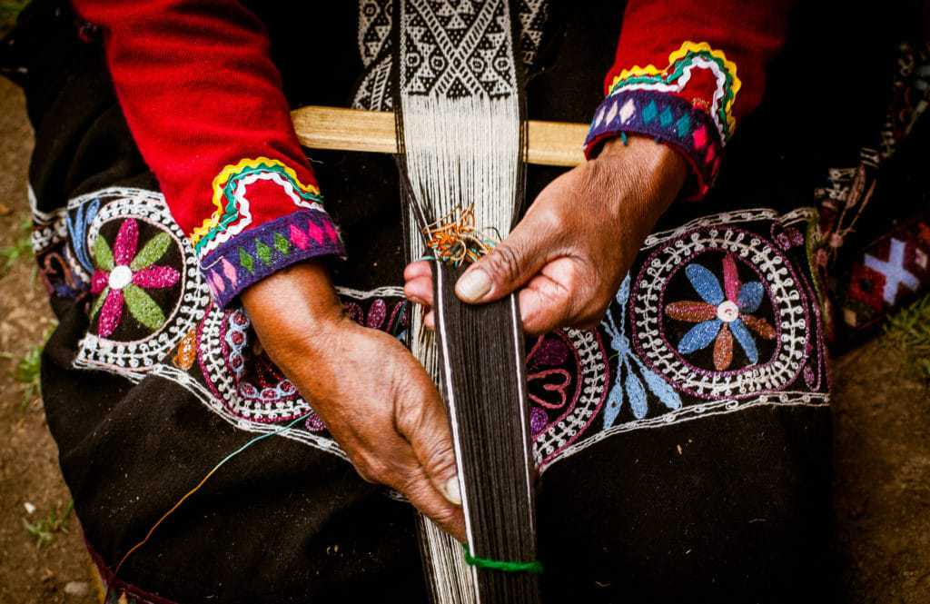 Things to do in Sacred Valley - Traditional weaving.
