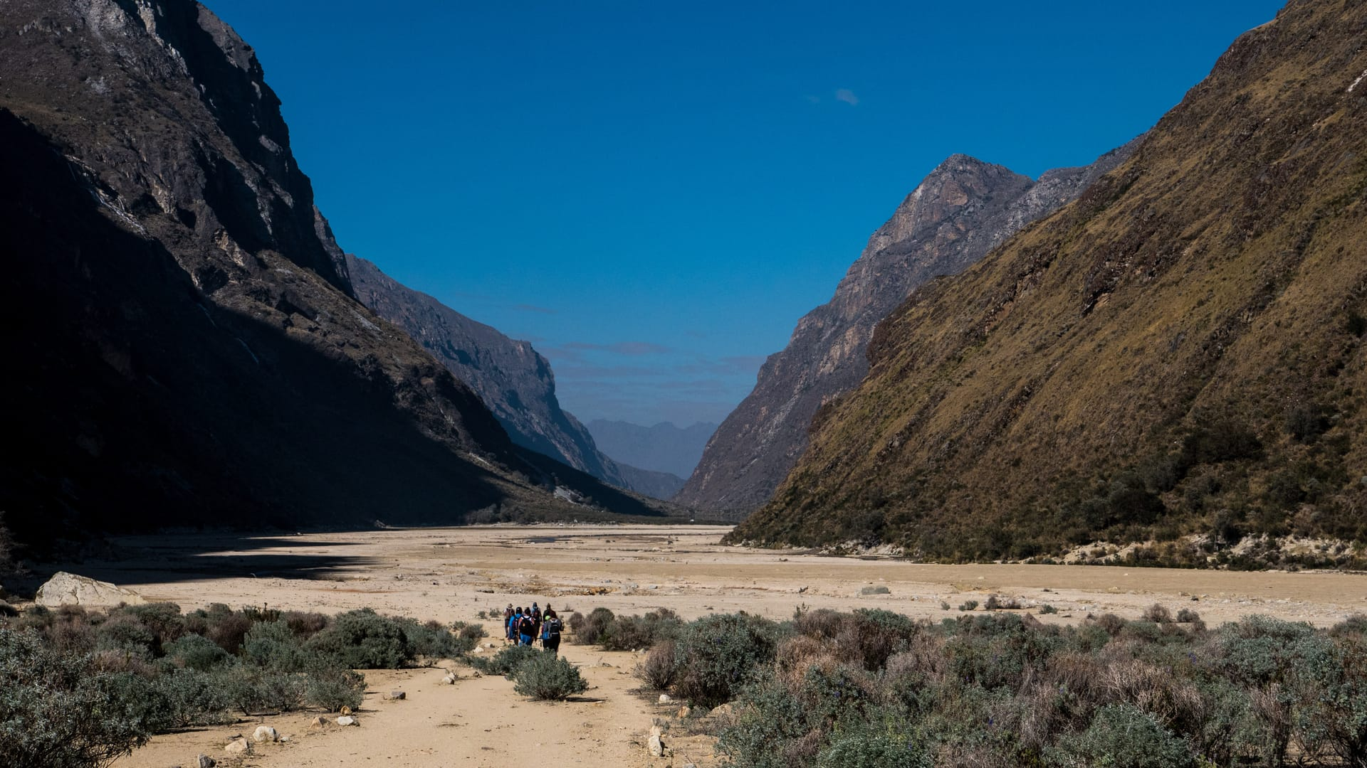 The Santa Cruz Trek in Huaraz - Desert Landscapes on the Final Day of the Santa Cruz Trek