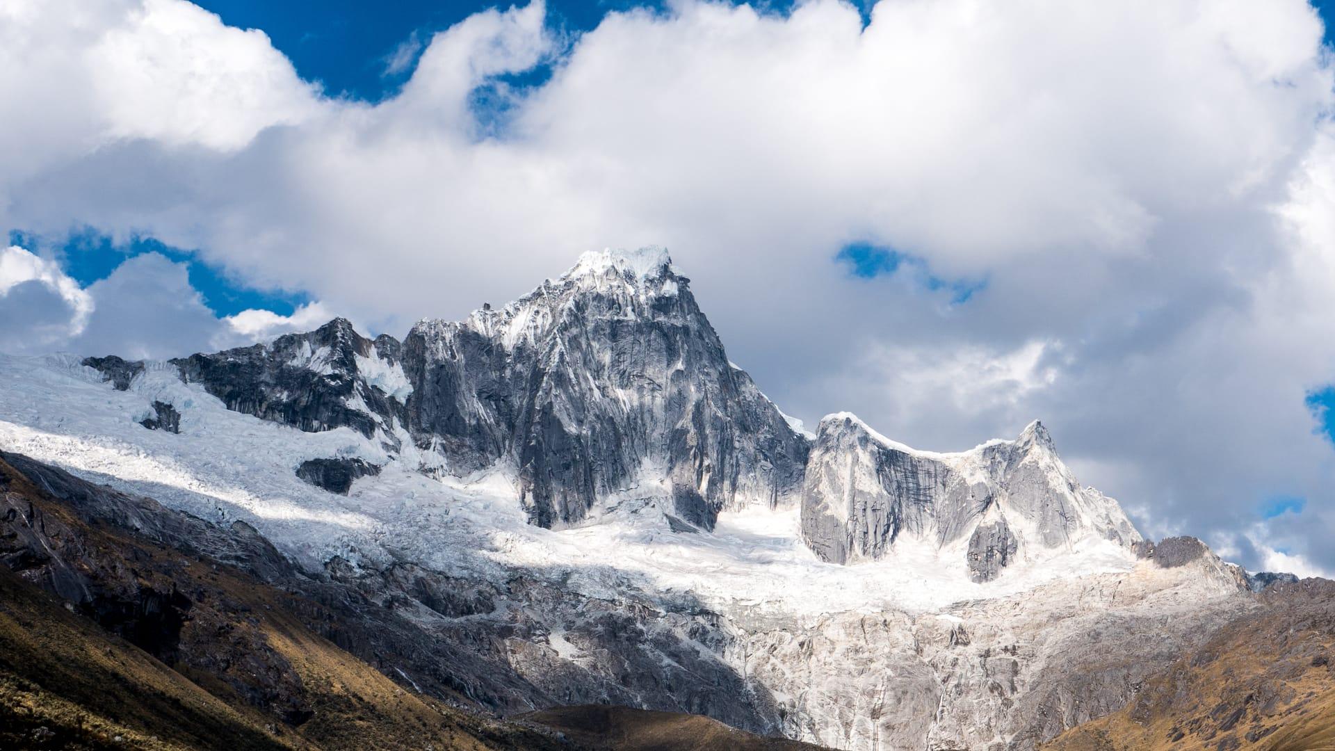The Santa Cruz Trek in Huaraz - Mountain Vistas