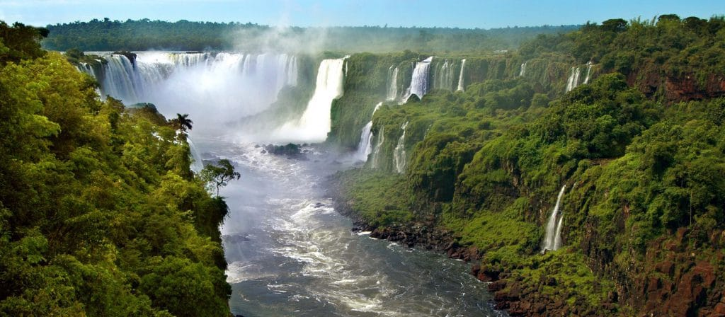 Iguazu waterfalls trips in Argentina