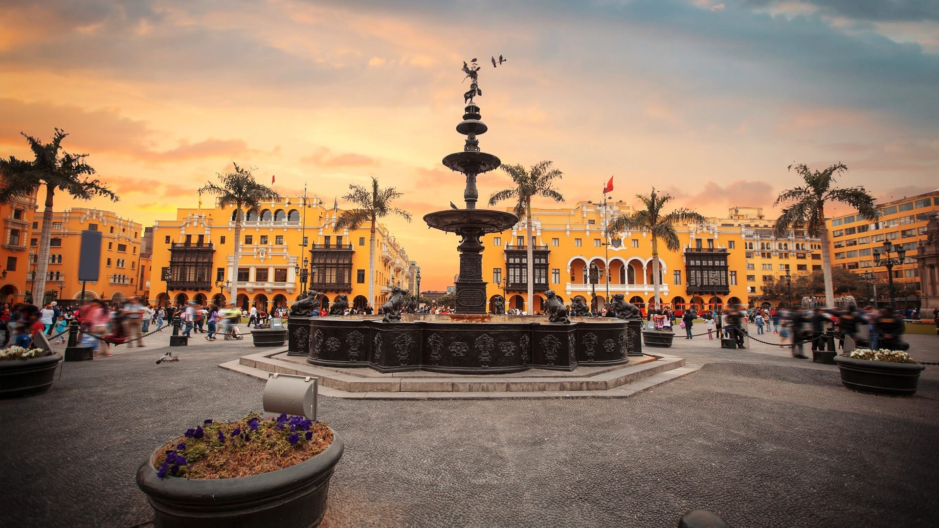 City tour in Lima