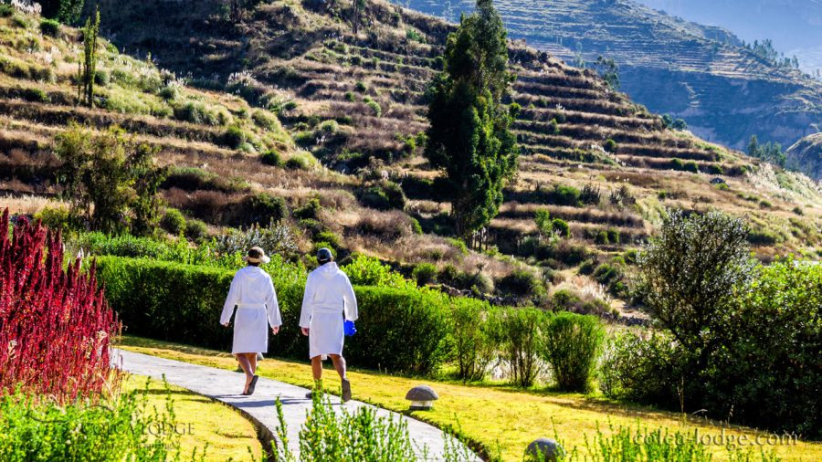Colca Canyon luxury hotels - Guests in robes.