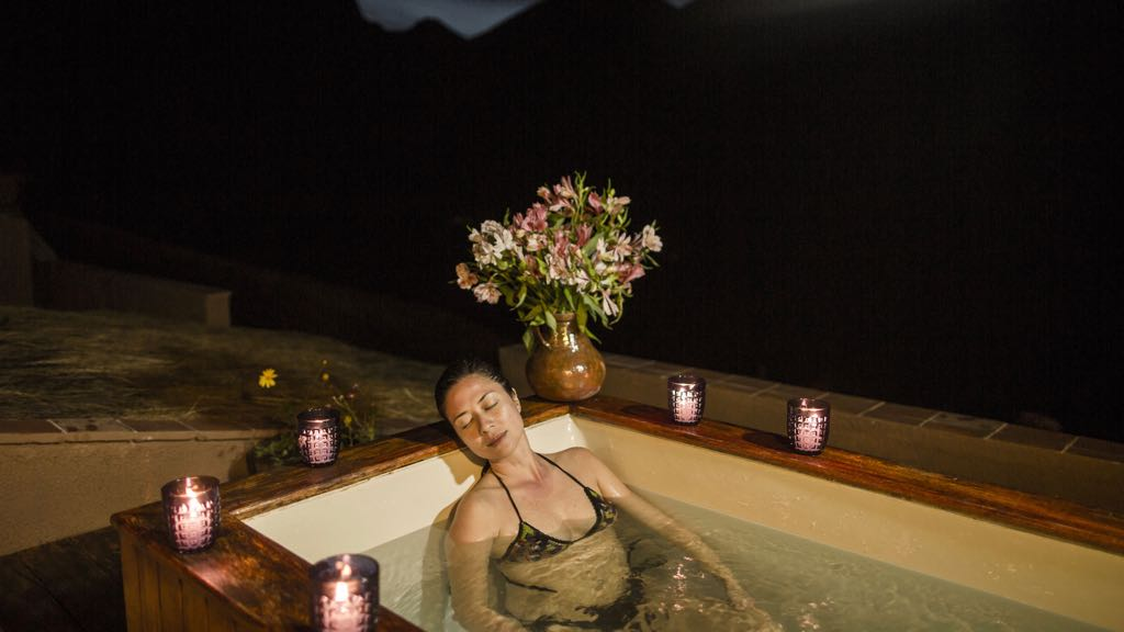 Jacuzzi on Lares Trek
