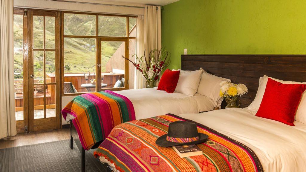 Comfortable Luxury bedroom on Lares trek