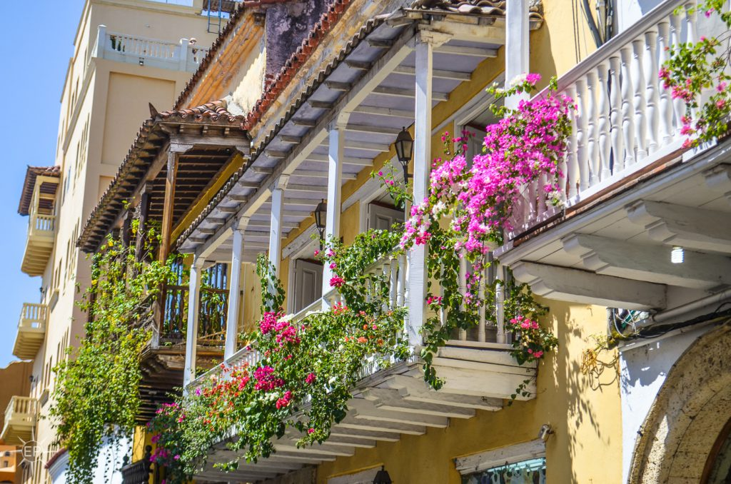 Colombia travel guide - Pretty balconies in Cartagena.