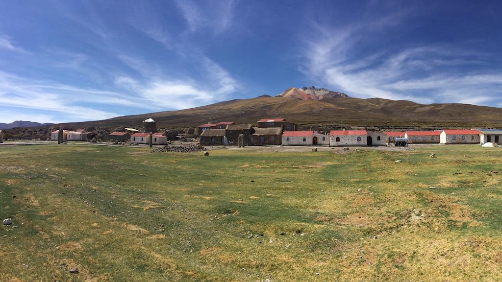 Tambo Coquesa Lodge in Uyuni salt flats