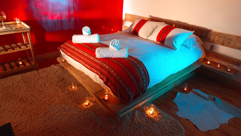 Comfortable bedrooms with heating and wifi in Flamingos Lodge during your 3 day tour Uyuni Trip